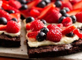 Pizza de brownies y chocolate
