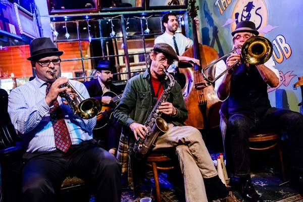 Jazz Band en Spotted Cat de New Orleans