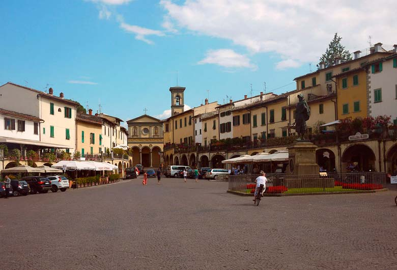 Plaza triangular de Greve in Chianti